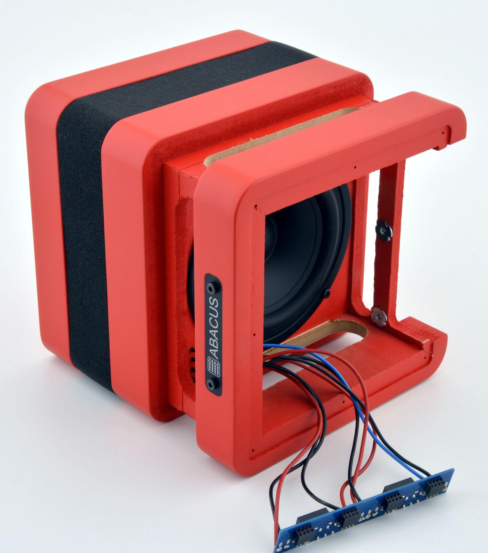 Anschlussboard und Elektronikschacht